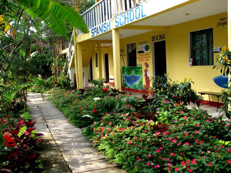 Spanish school panajachel guatemala jardin de america for Jardin spanish